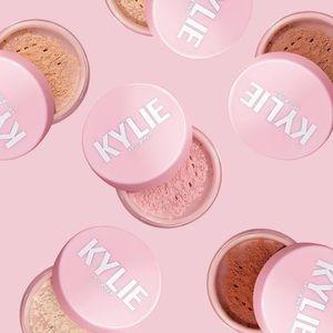 Kylie cosmetics translucent loose setting powder